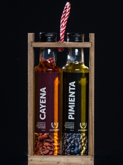 Pack especial 2 aceites con especies cayena y pimienta  .